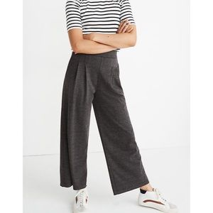 Madewell Pleated Pull-On Crop Pants in Glen Plaid